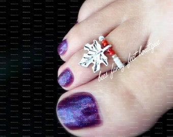 Maple Leaf Charm Toe Ring, Maple Leaf Charm Ring, Silver Toe ring, Red Beads, Silver Beads, Toe Ring, Ring, Stretch Bead Toe Ring