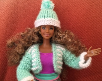 Knitted jacket and hat for barbie dolls