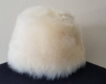 """60s vintage fur hat, sheepskin, made in Italy, 23 1/4"""""""