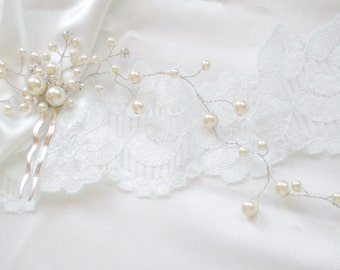 Bridal Hair Vine. Pearl Rhinestone Comb. Luxe Prom. Swarovski Pearls. Elegant Evening Wear. Vogue Modern Bride Headpiece Vine. Bridemaid