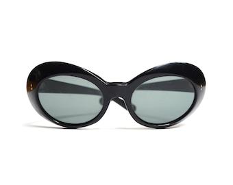 Vintage 70's Oversized Plastic Sunglasses