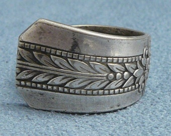 Vintage Spoon Ring Silverplate Flared Handle Size 8.5