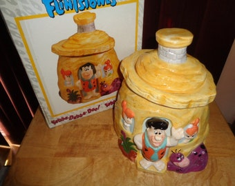 Hanna Barbera The Flintstones House Cookie Jar Certifield International Wilma Pebbles Dino Fred Flintstone