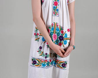 Vintage 1970's Mexican Embroidered Floral Cotton Midi Dress S4