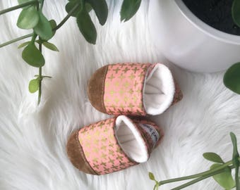 Organic Coral + Gold Plus Baby Shoes (0-6month or smaller size only)