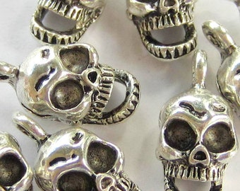 18 Skull beads antique silver skull charms gothic pendants diy jewelry supplies day of dead 16mm x 8mm x 7mm 3393