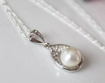 Jewel Pearl Drop Wedding Pendant, Simple Everyday Jewelry, Bridal Pearl Pendant, Wedding Jewelry, Bridesmaids Wedding Gift