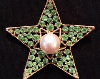 Rhinestone & Faux Pearl Star Brooch / Pin