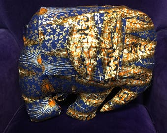 Elephant Cushion - African Throw Pillow - Elephant Decoration - Animal Pillow - Gold Cushion - African Decorative Cushion - African Homewear