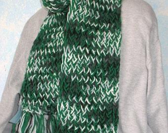 Winter scarf, handknit,  green