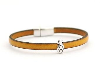 Pineapple Bracelet, Summer Bracelet, Botanical floral Bracelet, Tropical fruit bracelet, summer trends, gift for friend
