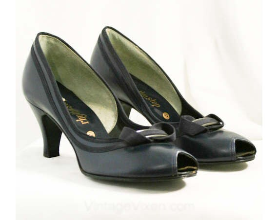 7AA 50s Sexy Deadstock Shoes with Toes Versatile Bow Sophisticated Width Deco Peep Size Chic 40053 7 Narrow 1 Navy 1950s Heels ZIAUnPqx
