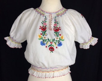 1940s Style Vintage Peasant Blouse with Floral Embroidery - UK 8 - B34