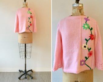Bloemen 60s Sweater| Vintage pink bateau neck jumper| 1960s pink sweater with embroidered flowers