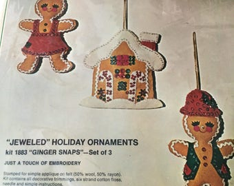 NEW sealed vintage Bucilla Ginger Snaps gingerbread ornament kit #1883