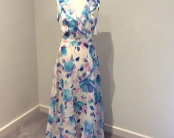 Vintage 1980's White maxi dress with bold floral print UK size 12