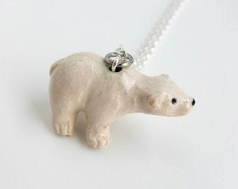 Beautiful Polar Bear Necklace  (R3A)