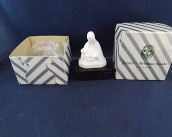 Petrolles Religious Marble Madonna and Child Decor Paper Weight
