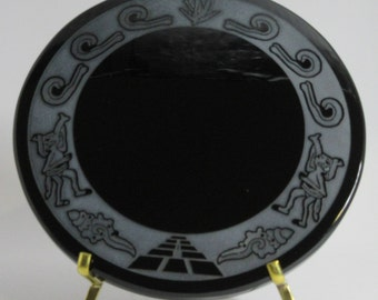 Engraved black obsidian mirror - Pulque extractor and seashells