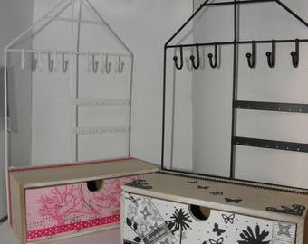 Display - Black and white jewelry box