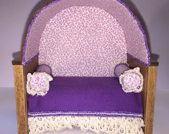 "1/2"" Scale Cozy Miniature Bed"