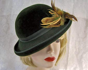 "1940s Knox Hat  /  Dark Green Velour Tilt Hat  /  21 1/2"" / Gifts for Her"
