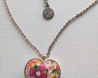 Gloria Vanderbilt LongHerat Necklace, Vintage Floral Heart Silver Tone Necklace, Gifts for Her.