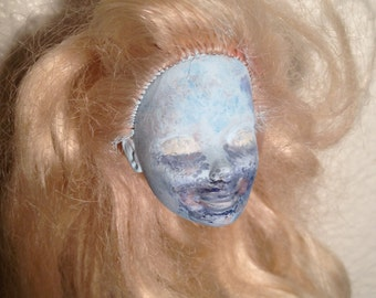 Creepy Dead Doll Head Ornament : Frosty Snow