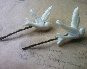 Two hair pins ~ white doves ~.