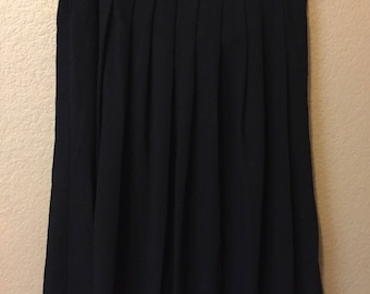 VINTAGE Black Pleated Skirt with Pockets L/XL