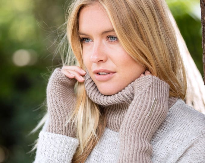 Luxury cashmere gloves, ribbed fingerless mittens with half thumb (standard length)