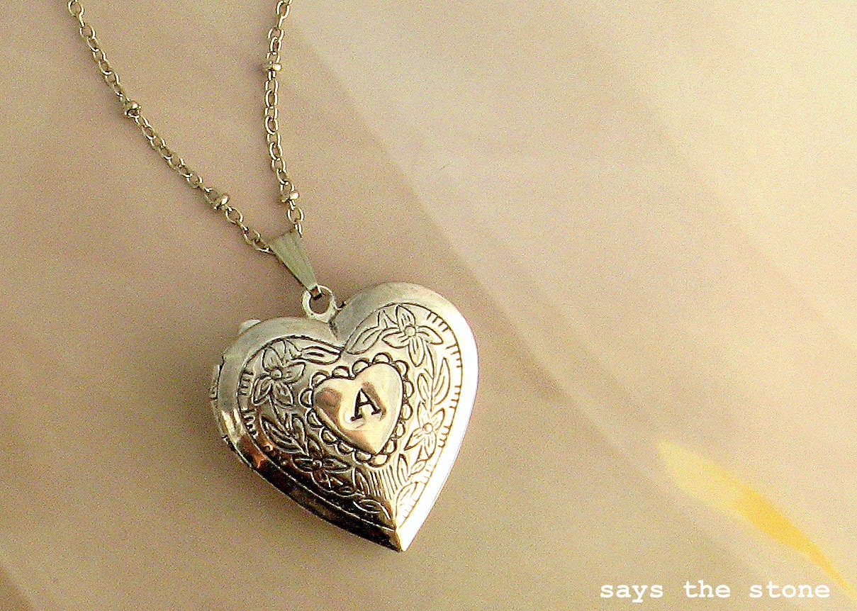 in heart locket dotoly floral jewelry products engraved day mothers lockets shaped mom silver necklace