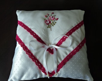Hand made Wedding ring pillow made with a vintage handkerchief (01613)