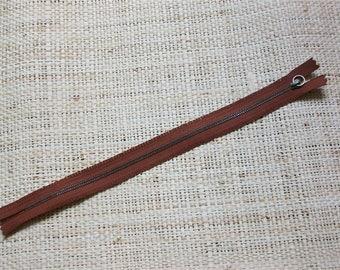 Size 30, 5cm, Brown zipper