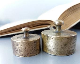 Antique Brass Scale Weights Set of 2 Miniature Weights Rustic Decor Metal Weight Scale Weights Antique Paperweight Vintage Brass Weight