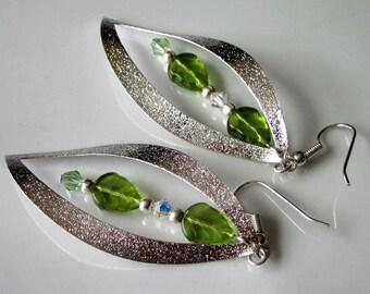 Silver Leaf Drop Earrings, Leaf Dangle, Leaf Jewelry, Silver Open Leaf, Olive Green, Czech Glass Leaves