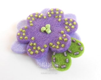 Purple felt flower brooch, handmade floral brooches, hand embroiedered pin, gift for nature lover woman and Mother's day, Made in Italy