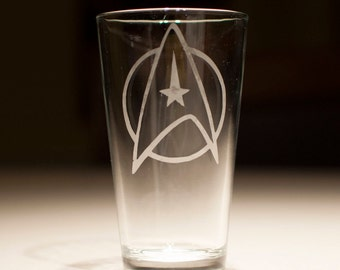 Star Trek Starfleet Insignia Etched Pint Glass