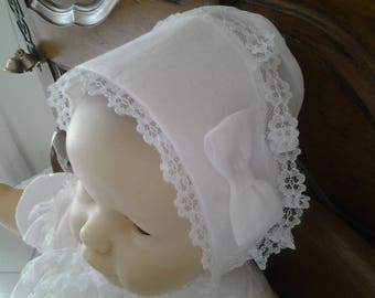 Christening bonnet in 6-8 months white cotton voile
