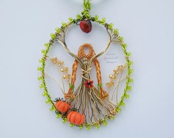 Goddess pendant, wire wrapped, harvest, pumpkin, fertility goddess, pagan, goddess jewelry, pagan necklace, wiccan, goddess, wire, nature