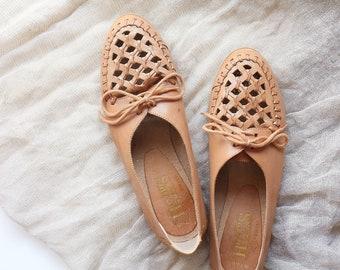 vintage cut-out oxford flats - size 7.5 - women's shoes
