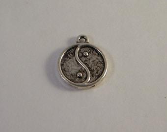 lucky charm pendant ying yang zen attitude 19mm