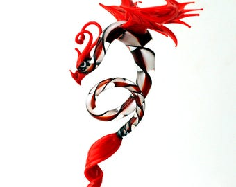 e36-998 Dragon with long, curved spiral tail - Red