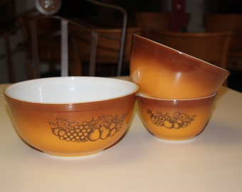 Vintage Pyrex Old Orchard Mixing Bowls Fruit Pattern Nesting Set of Three Brown Orange Cinnamon Colored Bowls