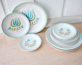 Vintage Franciscan earthenware Tulip Time plates dinnerware for 4 green blue 12 piece set stoneware dinner salad and bread plate