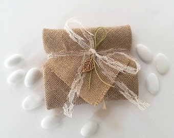 Burlap envelope with leaf - wedding favor/bomboniere