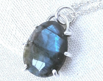 Claw-Set Labradorite and Sterling Silver Pendant Necklace