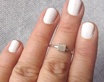 Square shape ring