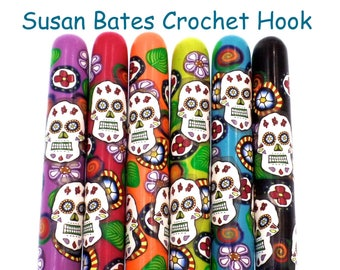 Crochet Hook, Polymer Clay Covered Susan Bates Crochet Hook, Sugar Skull, Day of the Dead