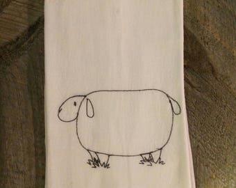 Farm Animals Sheep Tea Towel, 100% cotton adorable sheep design, farmhouse kitchen, hostess gift, housewarming gift, all occasion gift